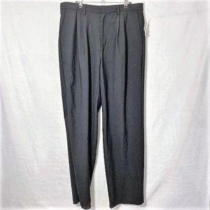 GAP|Pleated Classic Fit Straight Dress Pants 34x32